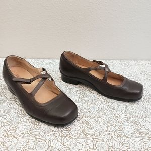 Aravon Evelyn Brown Leather Mary Jane Shoes